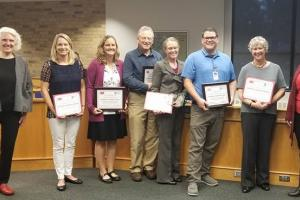Mayor Rhonda Pownell and doctors and staff receiving their awards